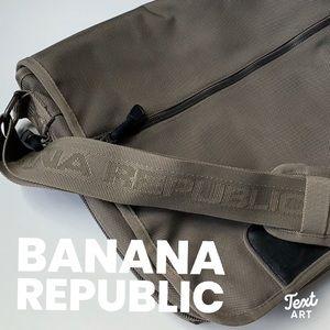 Virtually New Banana Republic Messenger bag